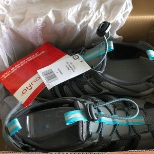 Brand new sandals for kids, size US3